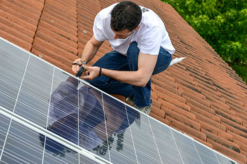 US Solar Jobs Increase After 2-Year Slump